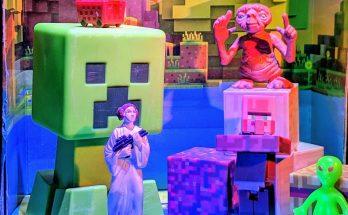 Minecraft, Starwars Princess Leia, E.T. and an Alien
